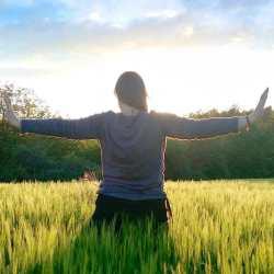 KenZen Shiatsu Lyon - Do In, étirement des méridiens suppérieurs